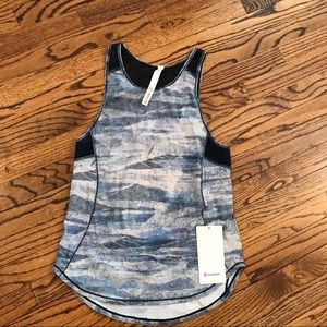New LULULEMON Sculpt Tank White Navy Blue Mesh 6